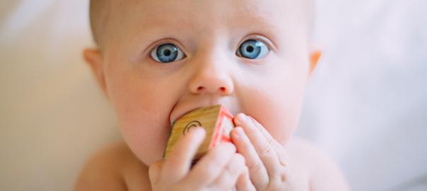 Les enfants – traitement sans douleur par laser / magnétisme